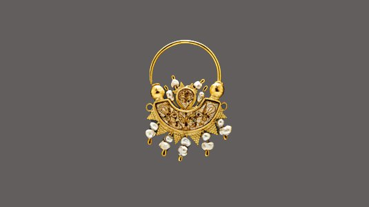 Gold earring decorated with enamel and pearls, 10th c.